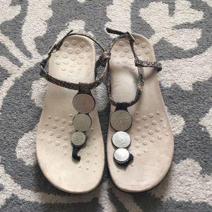 Vionic Miami t-strap sandals